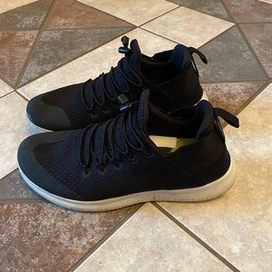 Nike Shoes - Nike Free Rn Commuter